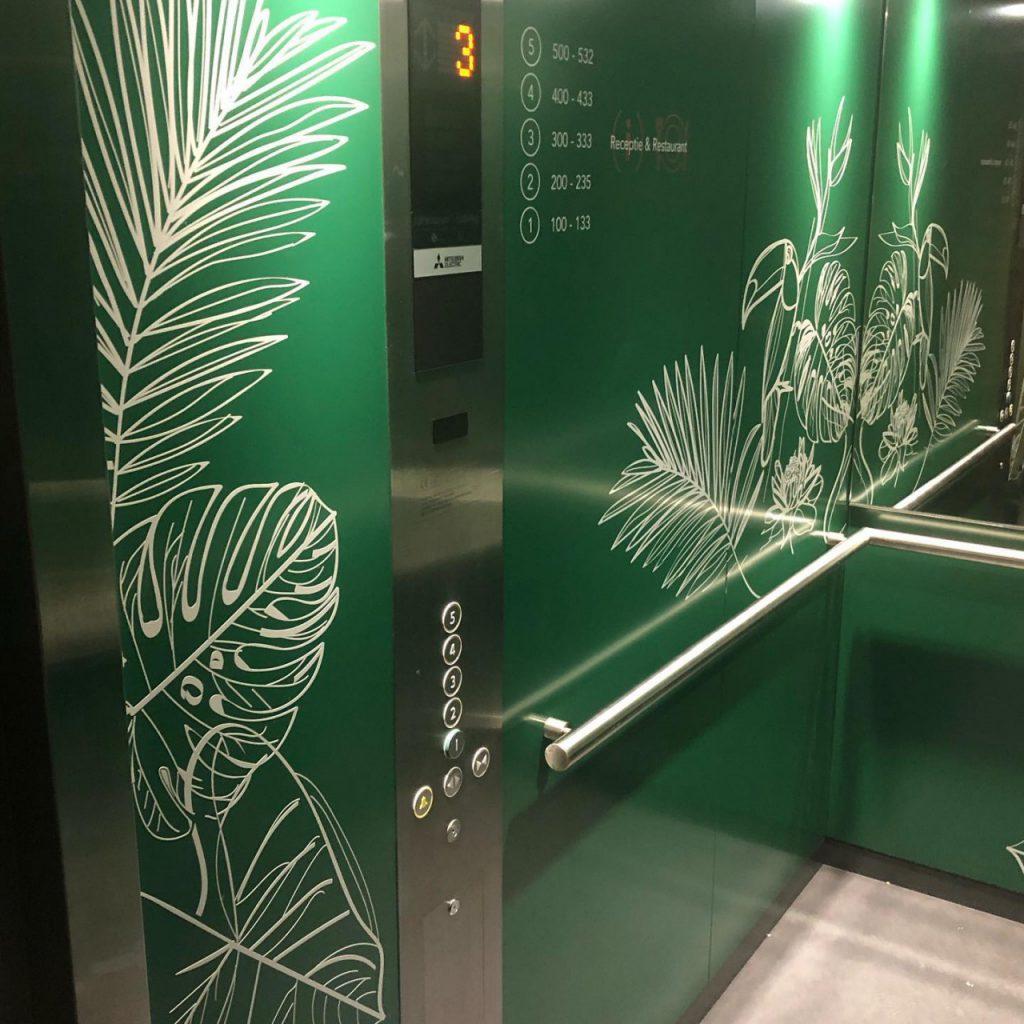 Belettering in lift